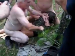 Насыщенный день русской сексвайф - скриншот #4