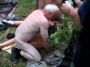Насыщенный день русской сексвайф - скриншот #5
