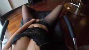 Секс в разодранных колготках - скриншот #4