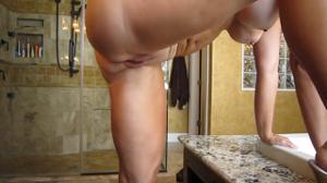 Отодрал стройную жену в ванной - скриншот #4