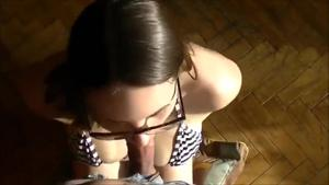 Красивая Ева делает минет - скриншот #14