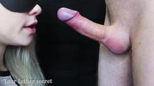Блондинка отсасывает без рук - скриншот #6