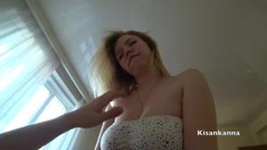 Домашний трах блондинки с сиськами - скриншот #9