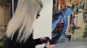 Русская блондинка глотает сперму в примерочной - скриншот #1