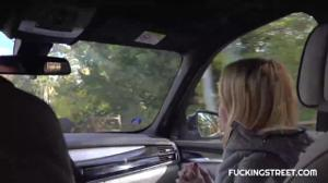 Водила трахнул сучку под заброшенным мостом - скриншот #3