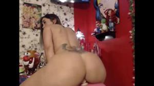 Девушка с классной попкой скачет на самотыке - скриншот #16